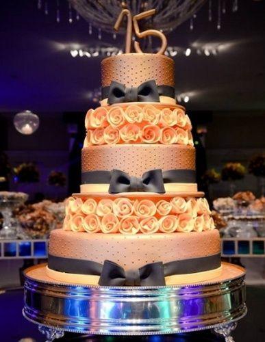 bolos decorativos modernos para festa de 15 anos