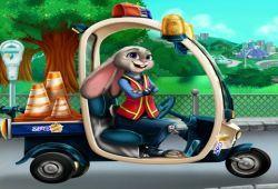 El carro policial de Judy Hopps ha sufrido un pequeño accidente y ahora se encuentra destrozado. Arregla el auto de la coneja Judy Hopps en el taller. Una vez que esté arreglado podrás tunear y modificar como más te guste. ¿Le gustará el nuevo carro policial?.