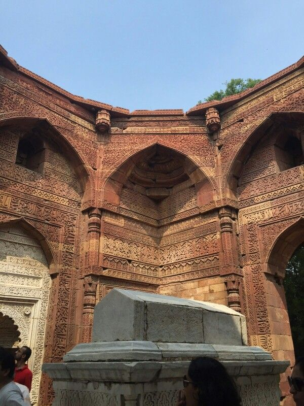 Tomb of Sultan Iltutmish  http://t.co/NrdlxfZf7m http://t.co/TFYn6GaLXt #WhereStonesSpeak  My ode to Delhi's First City