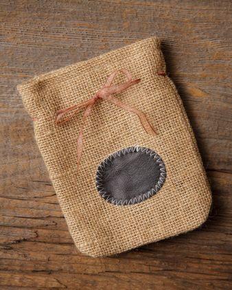 1000 images about audrey 39 s burlap decor on pinterest for Decorative burlap bags