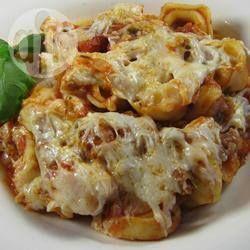 Casserole de tortellinis au fromage et aux saucisses italiennes @ qc.allrecipes.ca
