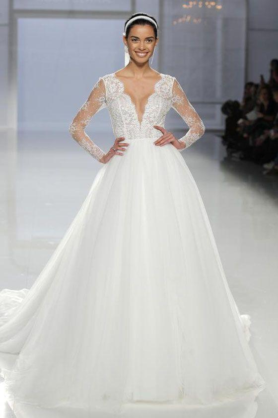 Rosa Clará colección 2018, los vestidos de novia más deseados sobre la pasarela Barcelona Bridal Fashion Week