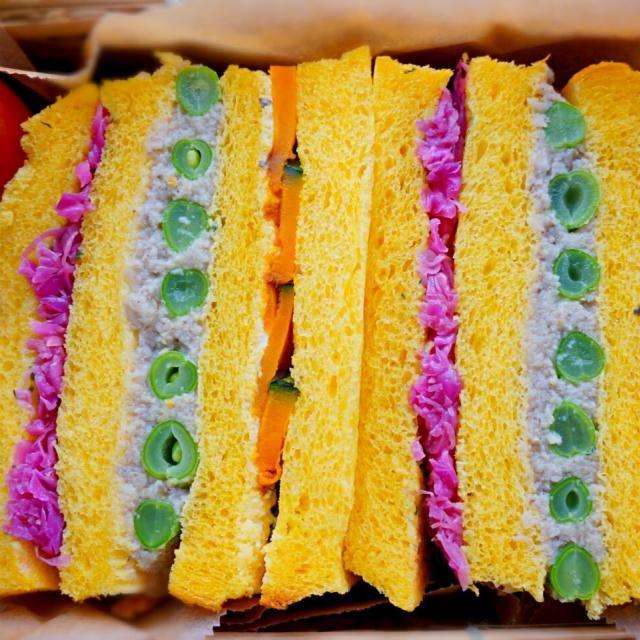 今日の山登りのお弁当は、 かぼちゃの食パンに 紫キャベツのラペ いんげん×きのこペースト かぼちゃソテー×水切りヨーグルト をサンド♪ - 116件のもぐもぐ - カラフルサンドイッチ by hoppe