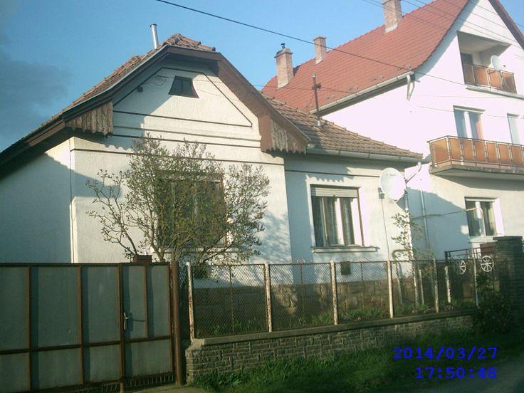 Eladó 3 szobás családi ház öszközműves telken http://matraderecskeingatlan.webnode.hu/products/matraderecsken-csaladi-haz-elado/