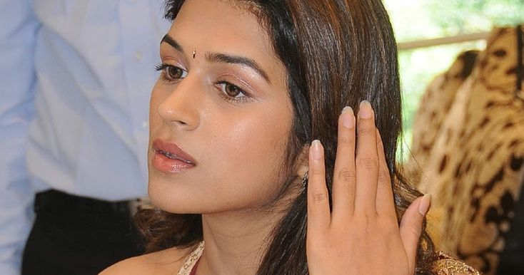 Tags: Shraddha Das hot stillsshraddha das cute girlShraddha das oily faceShradha das without makeupShraddha Das Tollywood Bollywood Hollywood Kollywood actress Kannada Malayalam Shraddha Das Images Photos Stills Pics Gallery Events Female Actor Shraddha Das Wallpapers Photoshoot at movie teaser launch Unseen Stills Navel Show Photos In Green Saree Shraddha Das Hip Show Navel Pictures Shraddha Das images In Green Designer Saree Armpits Show In Green Traditional Saree High Quality with no…