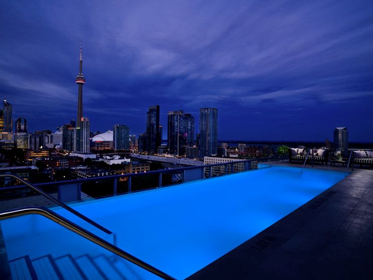 Rooftop Lounge in Toronto at Thompson Toronto, a Thompson Hotel