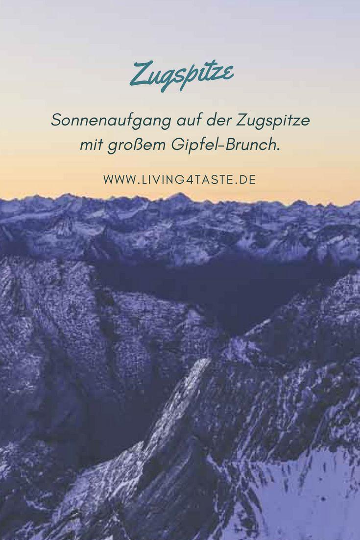 Habt ihr schon mal die Sonne auf der Zugspitze aufgehen sehen? Alles zur Sonnenaufgangstour auf der Zugspitze erfahrt ihr hier. Außerdem gibt es auch für den Sonnenuntergang tolle Angebote. Nach dem Sonnenaufgang wurden wir übrigens mit einem großen Gipfel Frühstück bzw. Brunch verwöhnt. Ein toller Ausflug für die ganze Familie in Tirol oder Bayern!