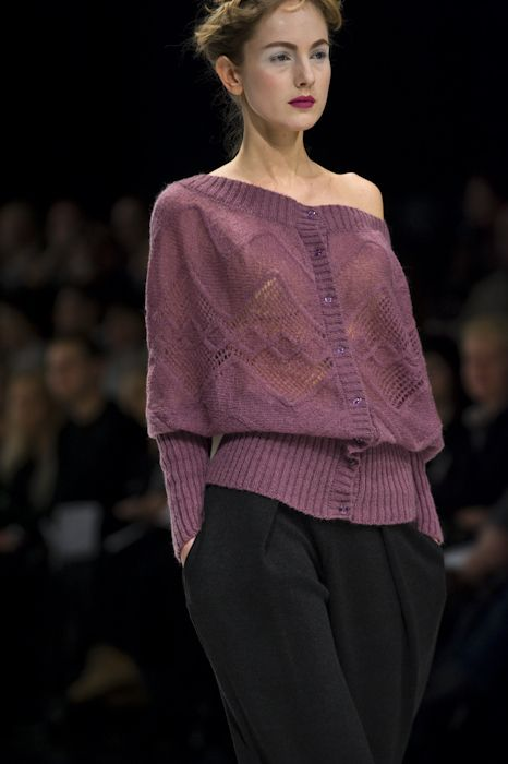 RITO, UFW, fall/winter 2010-11 Photographer Serge Chernikov[nice lace diamond with cable overlapping]