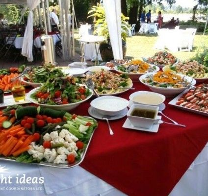 Picnic ideas for a #gardenparty #corporatepicnic
