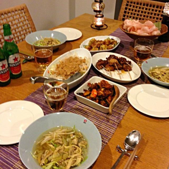 naomeちゃんが遊びに来てくれたので、インドネシア料理を。 ・クルップ(エビせん) ・ガドガドサラダ ・サテ ・ソトアヤム(チキンスープ) ・エビとカボチャのインドネシア風ソテー ・インドネシア風コロッケ - 8件のもぐもぐ - おもてなしインドネシア料理 by megan