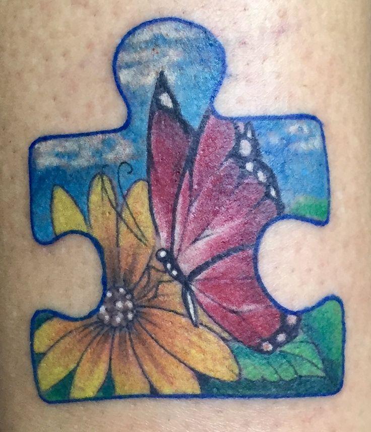 Tattoo símbolo do Autismo peça de quebra cabeça, cor azul pq ocorre mais em homens do que em mulheres, borboleta transformação que meu filho trouxe na minha vida! #hugotattoo#autismo#transformacao#vida