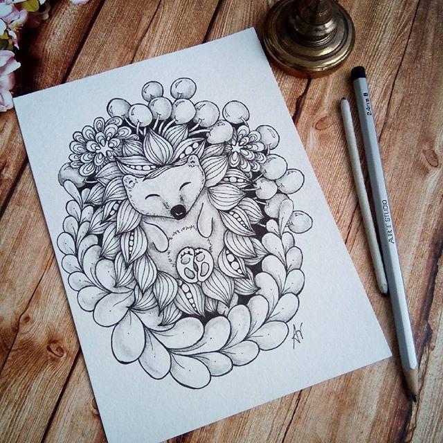 Перебирала свои старые рисунки и руки так потянулись добавить еще теней😏 Так что обновленный ёж вам в ленту 😘🌸🌻🌼🍀🌱🐾🍏 🏃 #зеннезависимость #zentangle #zenart #артзентангл #графика  #graphic  #meditation  #paintingeveryday  #painting #patterns #paint  #doodling #art #зентангл #зентангл_омск  #doodle #pencil #зендудлинг #drowning  #zendoodle  #zia #zentangleart