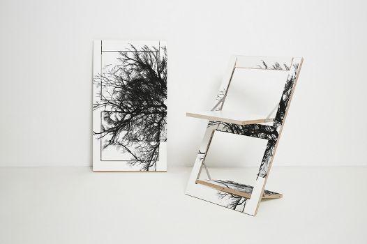 Klappstuhl aus Holz, der auch als Wandbild verwendet werden kann. #klappstuhl #holz #wand