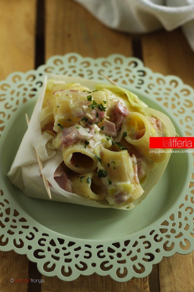 Pasta con porri prosciutto e robiola