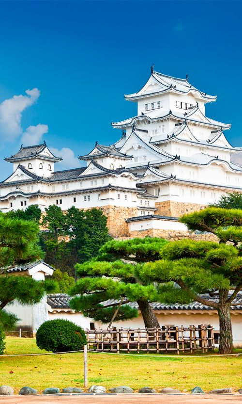 Built in 1333, Himeji Castle in Japan was declared a UNESCO World Heritage Site in 1993 #Japan