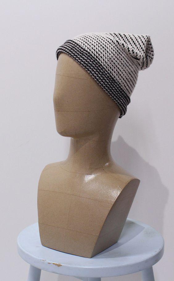 Tutoriel couture : bonnet maille   #hiver #tendance #mode #bonnet #couture #sewing #tissu #fabrics #diy #doityourself #froid #chapeau #vêtements