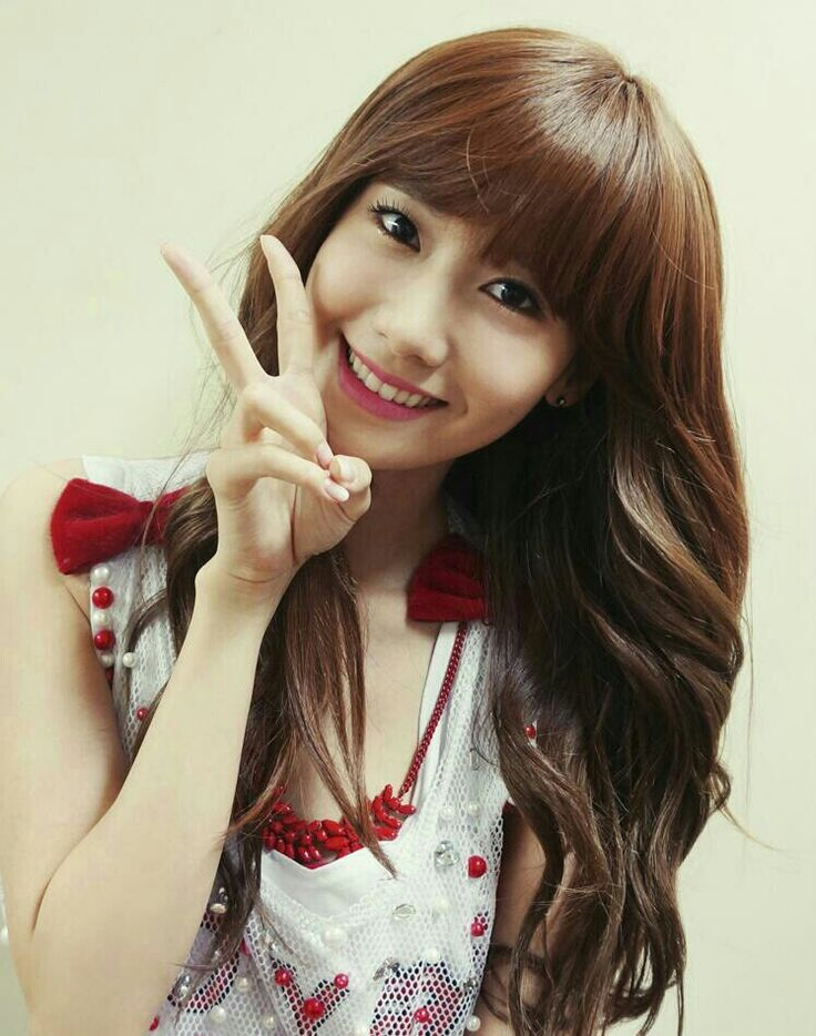 SNSD FOR HAIR COUTURE Yoona's blunt bangs :O I like her with side bangs :) #SNSD