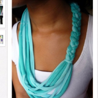 75 Best Images About All Types Of Scarves On Pinterest Circle Scarf Lace And Shawl