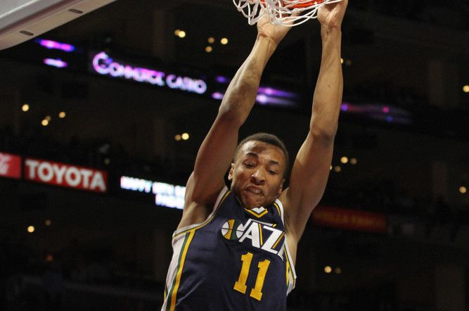 Jazz PG Dante Exum to miss one week due to patellar tendinitis = The Utah Jazz are off to a great start, but the team will be without key bench player Dante Exum for at least a week. Exum has been diagnosed with a left patellar tendinitis and will be.....