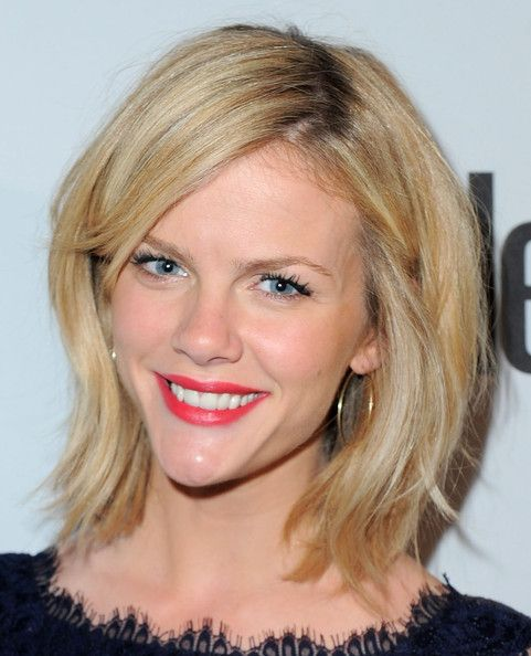 Brooklyn Decker's Choppy, Short Hair