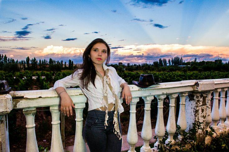 Fotografo en Mendoza Argentina Sesion de exteriores 111 Sesión fotográfica con Cande