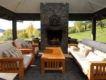 Riverside Luxury Retreat