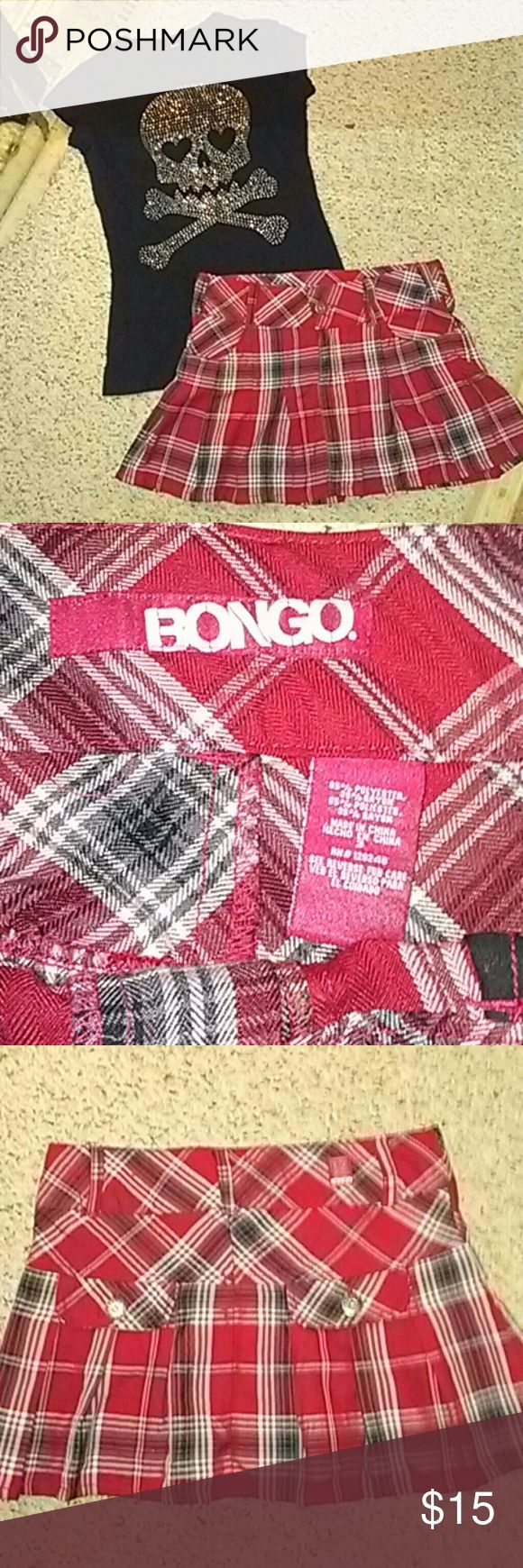 """Bongo mini skirt Cute and sexy, pleated school girl mini by Bongo! Red plaid and in amazing condition! Some fraying on one belt loop as pictured, but otherwise perfect. Two faux pockets in back and two small real pockets in front. Approx. 12"""" long. BONGO Skirts Mini"""
