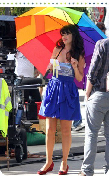 Zooey Deschanel in her Gorgeous bright outfit!: Aqua Dresses Lov, Style Inspiration, Deschanel Fashion, Blue Strapless, Sequins Dresses, Fashion Inspiration, Strapless Sequins, Zooey Deschanel, Girls Jesse
