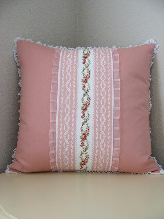 Lace, roses and pink, my idea of classic shabby chic