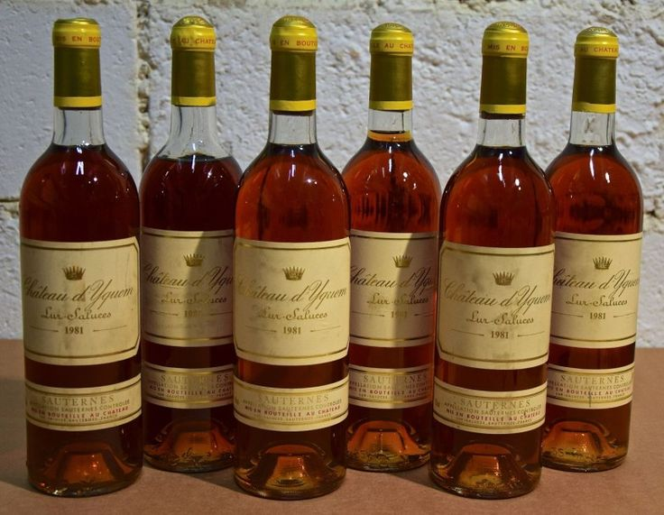 11 bouteilles CH. D'YQUEM, 1° cru supérieur Sauternes 1981 (es, 1 TLB, 1 MB, 1 B) - Cornette de Saint Cyr - 14/11/2015