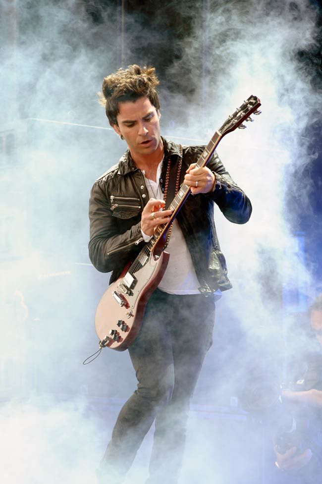 Kelly Jones from British band Stereophonics performs on Day 2 of the V Festival. #Hollywood #Style #Fashion