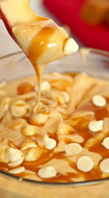 Skinny Caramel Apple Dip ~ This slimmed down and super easy fruit dip is perfect for any occasion.  Kid friendly but equally loved by adults!