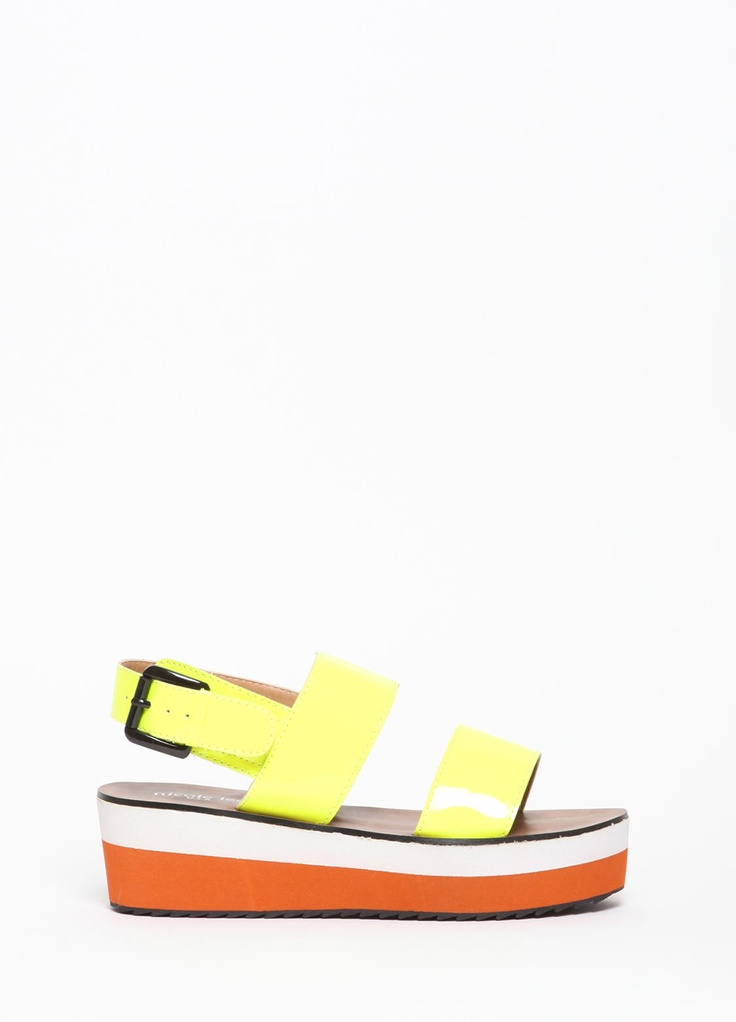 """Runs a bit narrow so size up if you're in between sizes. Flatform measures 1.5"""" at front to 2.25"""" at back."""