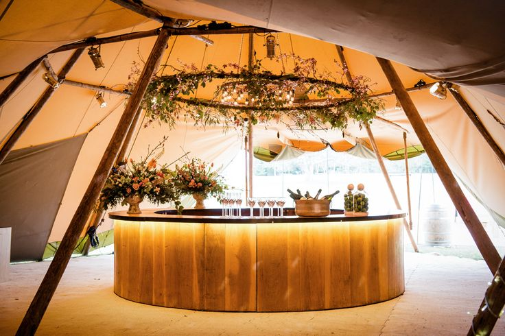 Round Bar | How To Plan A Tent Wedding | Papakata Tents | Sperry Tent | Papakata Teepee | Images by Dominic Wright Photography | http://www.rockmywedding.co.uk/planning-organising-tent-wedding/