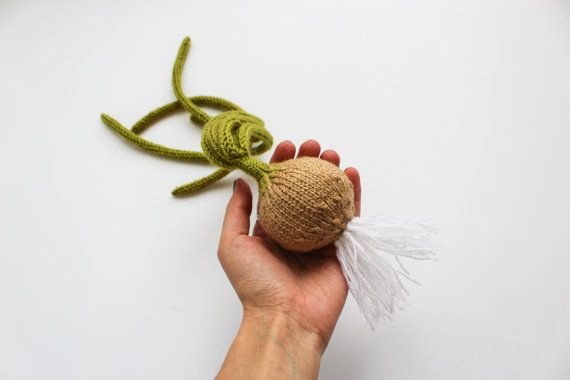 Вязаная игрушка зелёный лук - амигуруми овощи - подарок садоводу - декор кухни - лук порей - подарок младенцу или ребёнку - игра в магазин
