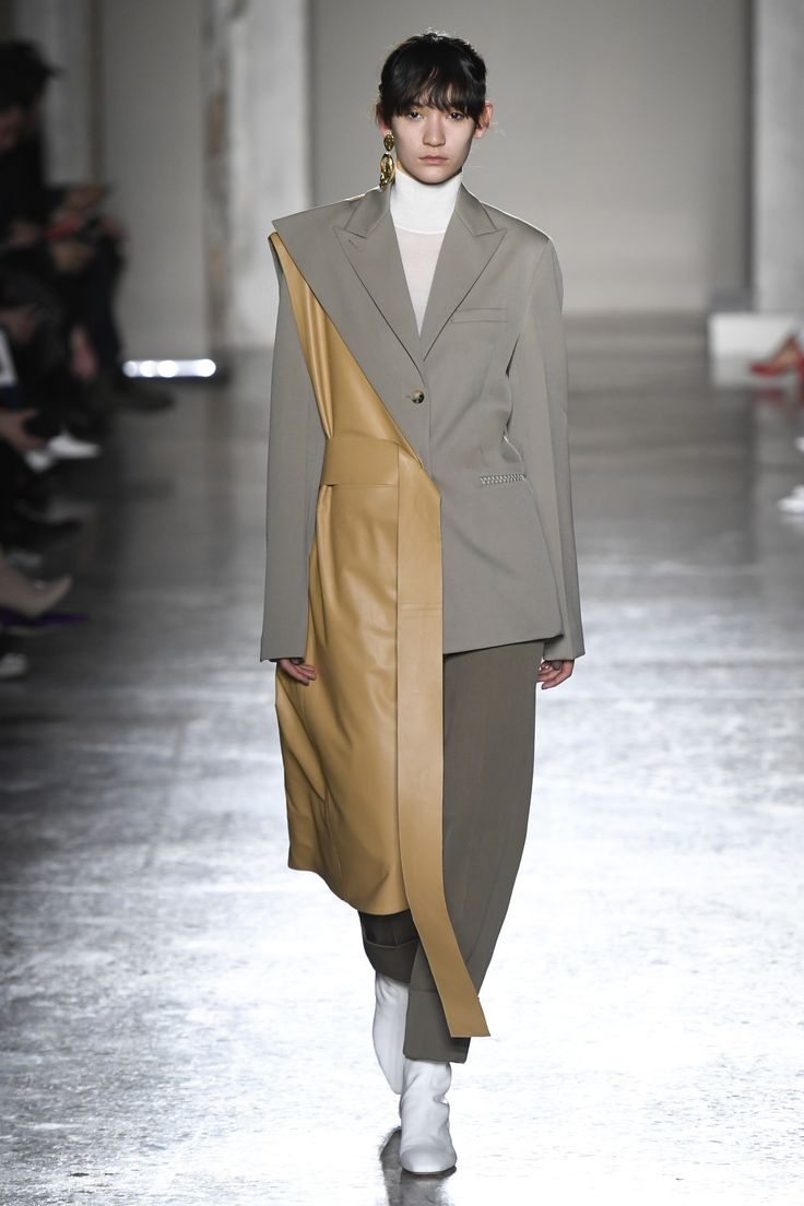 The complete Gabriele Colangelo Fall 2018 Ready-to-Wear fashion show now on Vogue Runway.