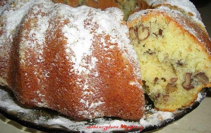 Orechova babovka                               Toto je fakt rychlý recept. http://rurbanczykova.blogspot.cz/2013/09/orechova-babovka-2.html