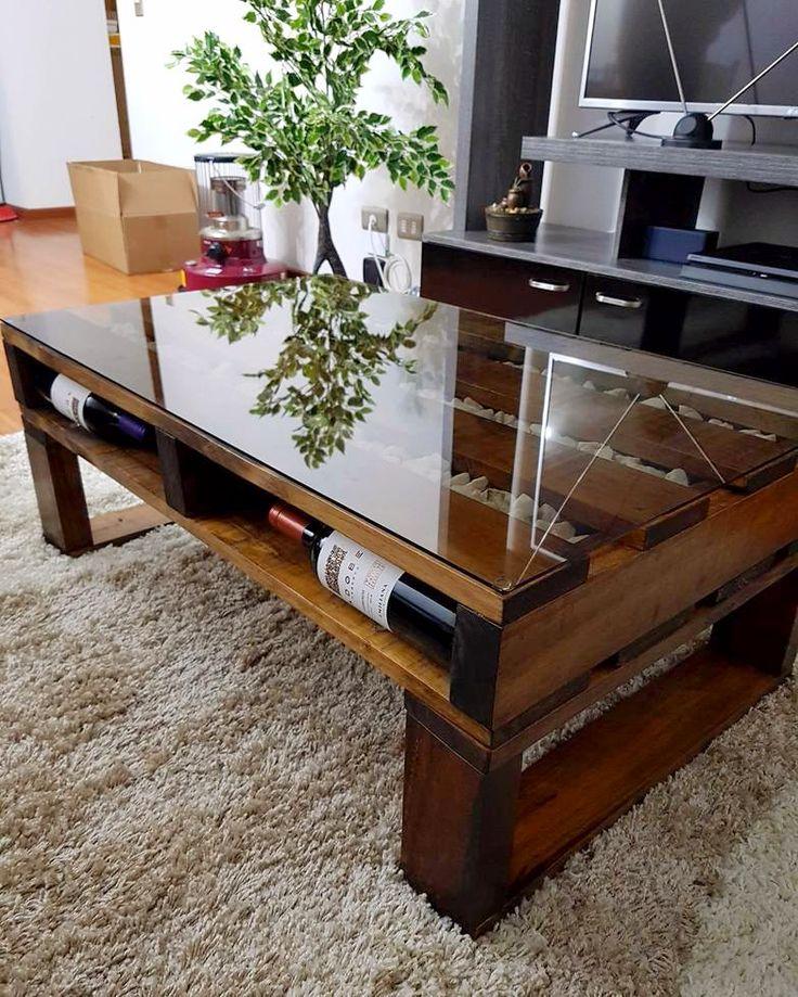 Mesa palet de pino envejecido y cuarzo,  hecha totalmente con madera reutilizada!! ♻️🔨