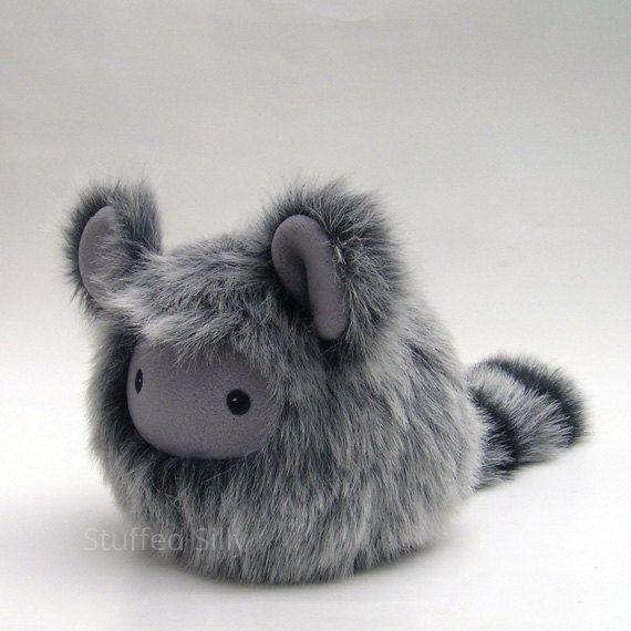 Pelzigen grau Baby Monster Plushie süß gefüllte von stuffedsilly