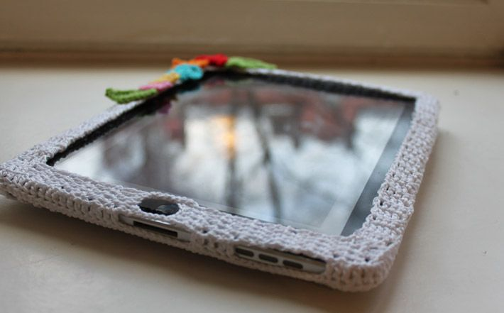 I'm probably not gonna make this cuz i like my ipad with silicone or a smart cover but this is soooo cool!