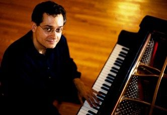We would like to introduce to you another of our Queens and Long Island Faculty Members, Mr. Glafkos Kontemeniotis. Mr. Kontemeniotis was born in Cyprus in 1969. He showed musical interest at an early age and began studying classical piano at the age of 9. He came to New York in 1988 and studied classical piano with Paul Sheftel and jazz piano privately with Lee Evans ,and later with Harold Danko at the Manhattan School Of Music.