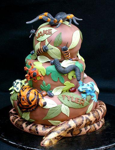 Lizard Wizard Cake   Flickr - Photo Sharing!