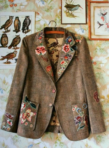 Jacket with floral embroidery