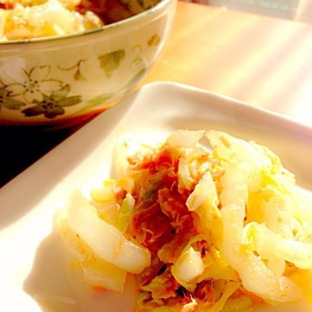 めんつゆが効いてて、しょっぱさも程よくてたくさんたべれる味✨  これで野菜も沢山食べれそう(n´v`n) - 11件のもぐもぐ - 白菜とめんつゆ胡麻サラダ by maronsweet