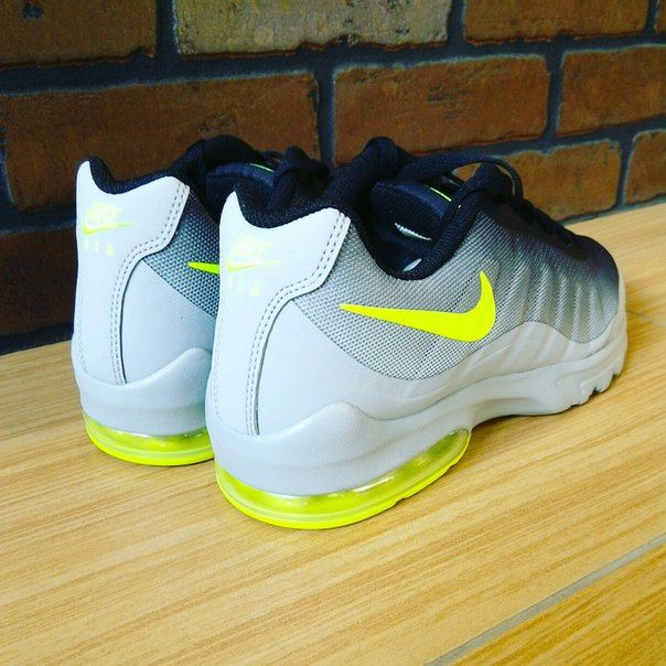 #Nike #AirMaxInvigorPrint #imsovrn #sport