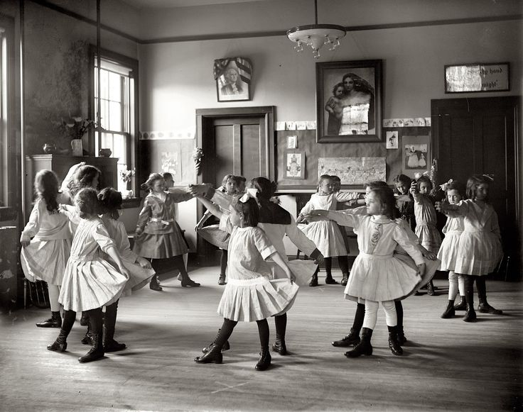 Dance class in a Georgetown school 1919