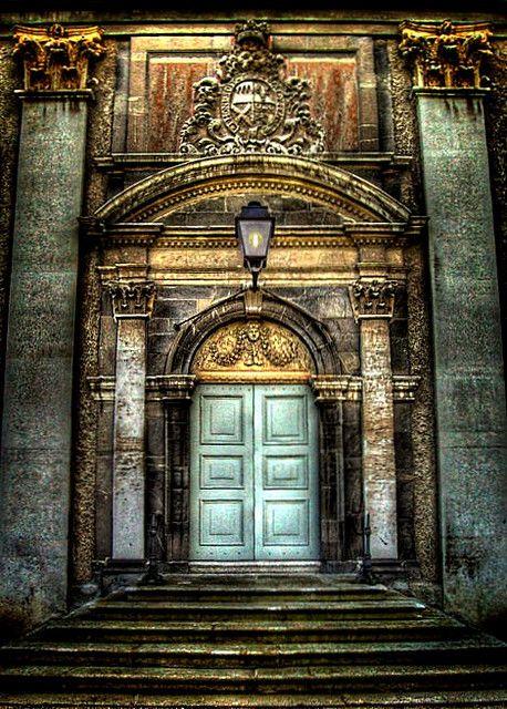 Grand Entrance - Museum Of Modern Art, Dublin: Modern Art, Museums, Grand Entrance, Dublin Ireland, Beautiful Doors, Decor Doors, Entrance Doors, Architecture, Old Doors