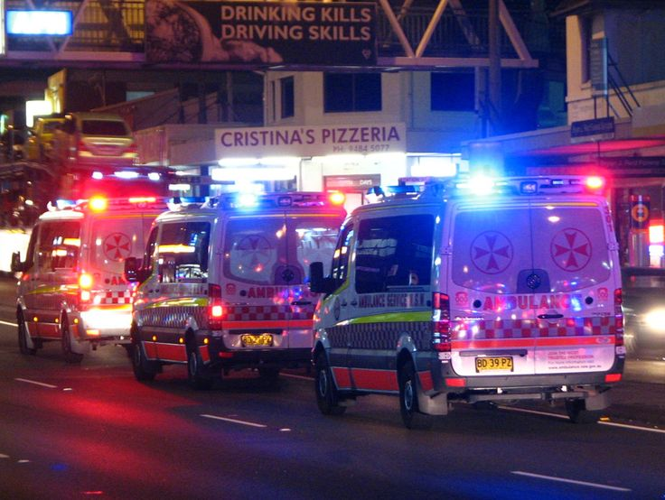 Google Image Result for http://upload.wikimedia.org/wikipedia/commons/a/aa/3_x_Ambulance_Service_NSW_Mercedes_Benz_Sprinter_Ambulances_-_Flickr_-_Highway_Patrol_Images.jpg