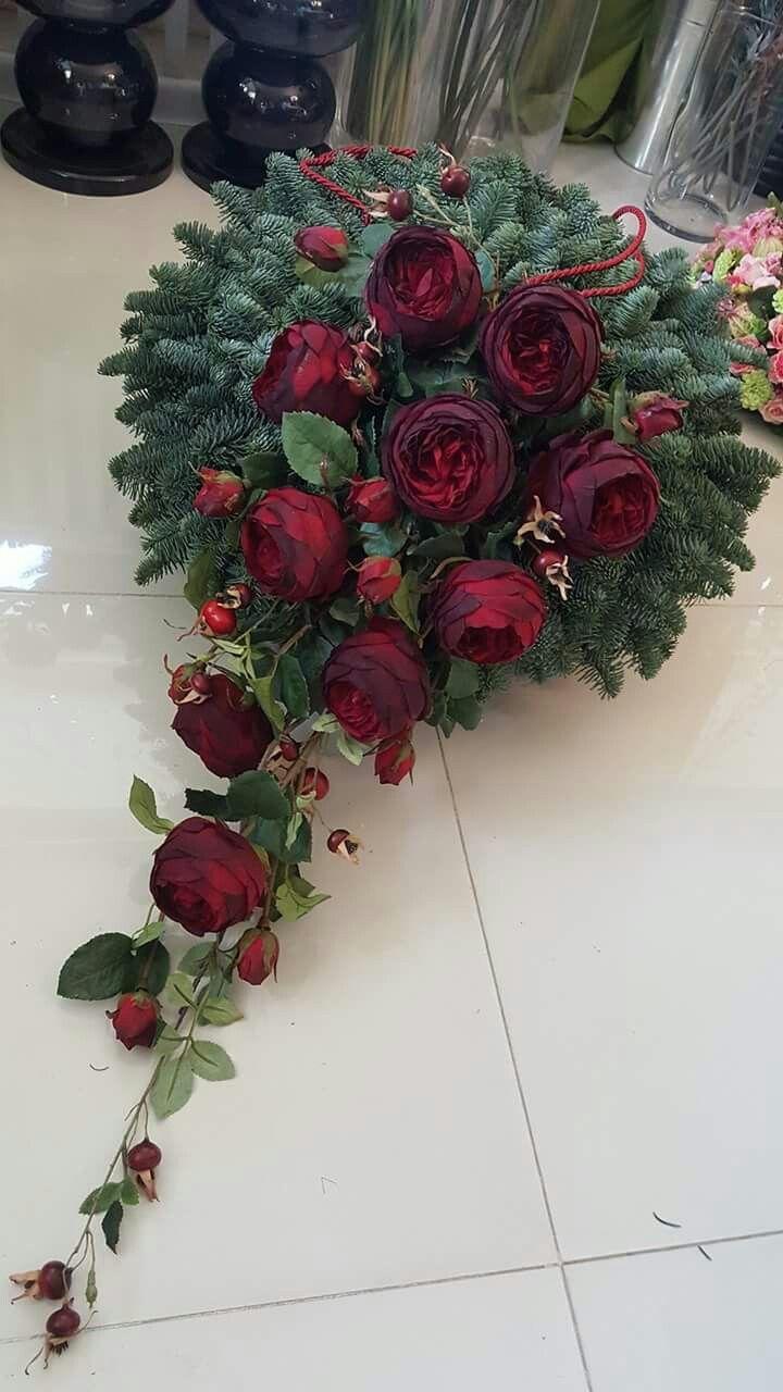 Pin By Anita On Wszystkich Swietych Funeral Flower Arrangements Christmas Floral Arrangements Funeral Flowers
