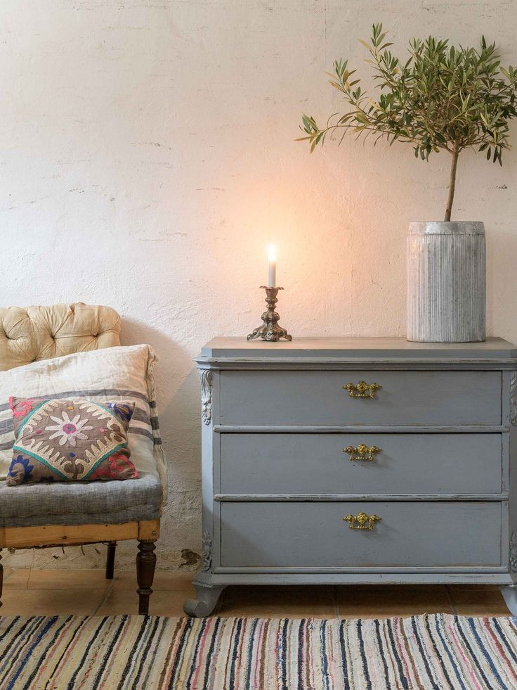A beautiful little chest of drawers BEDROOM